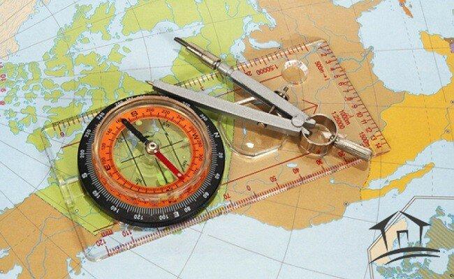 карта, циркуль и компас