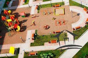 детская площадка многоквартирного дома