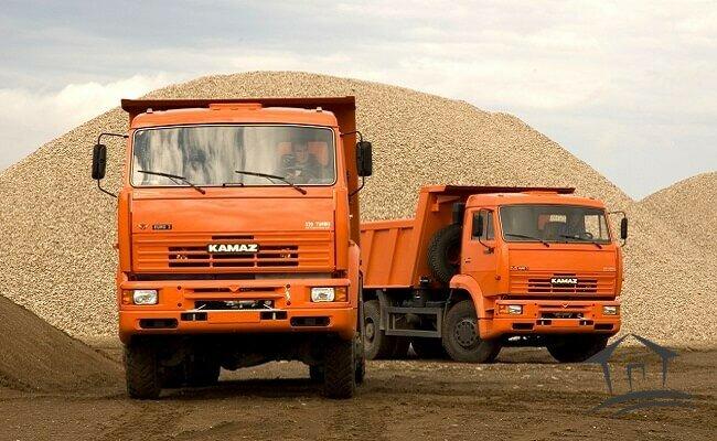 большегрузы перевозящих строительные материалы